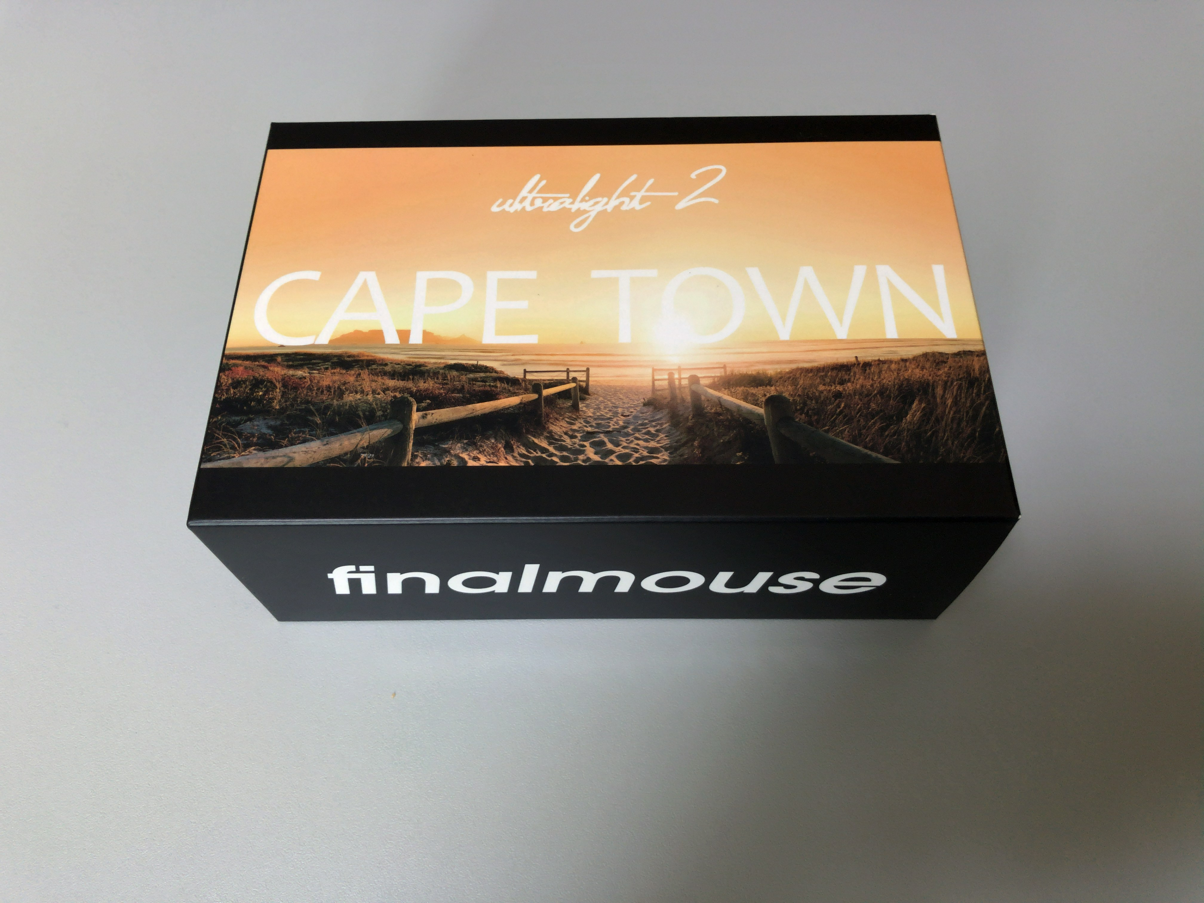 Finalmouse Ultralight 2 CAPE TOWNの箱
